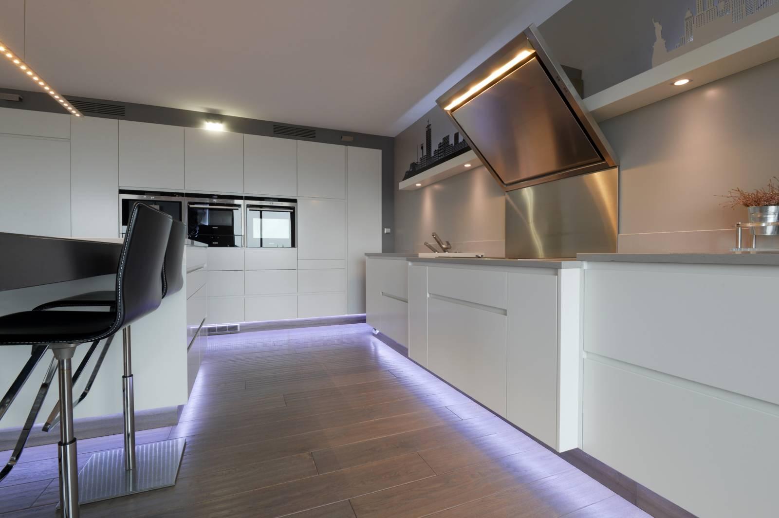 Cuisine aménagée design et laquée à Sainte Adresse - Spécialiste de ...